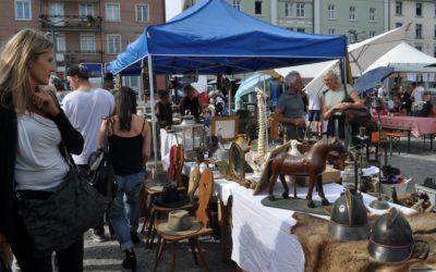 Flohmarktinfiszierte erobern die Hafenstadt